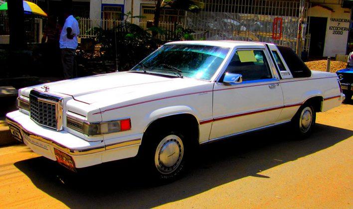 Automóvil Ford Modelo 1981